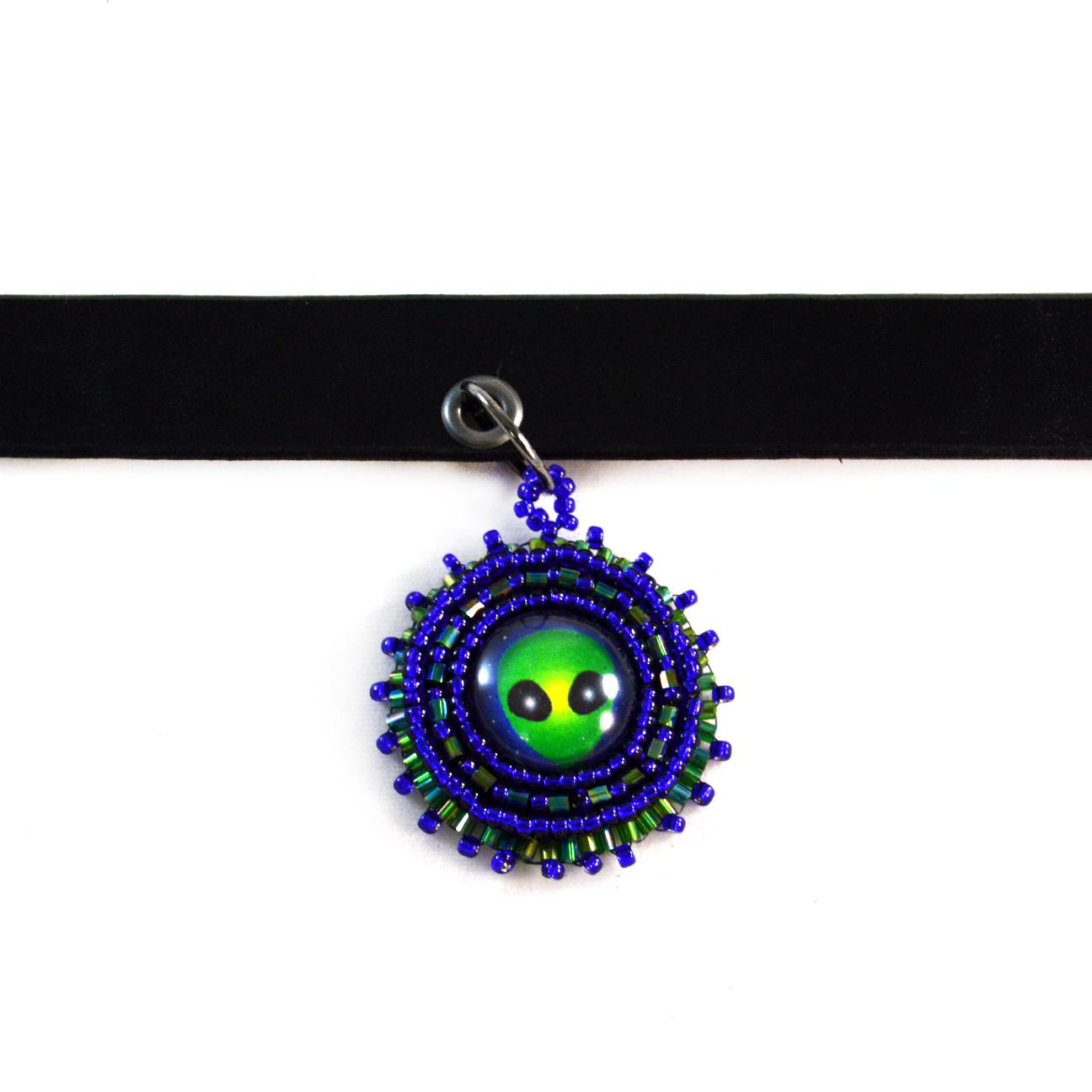 alien-choker-necklace