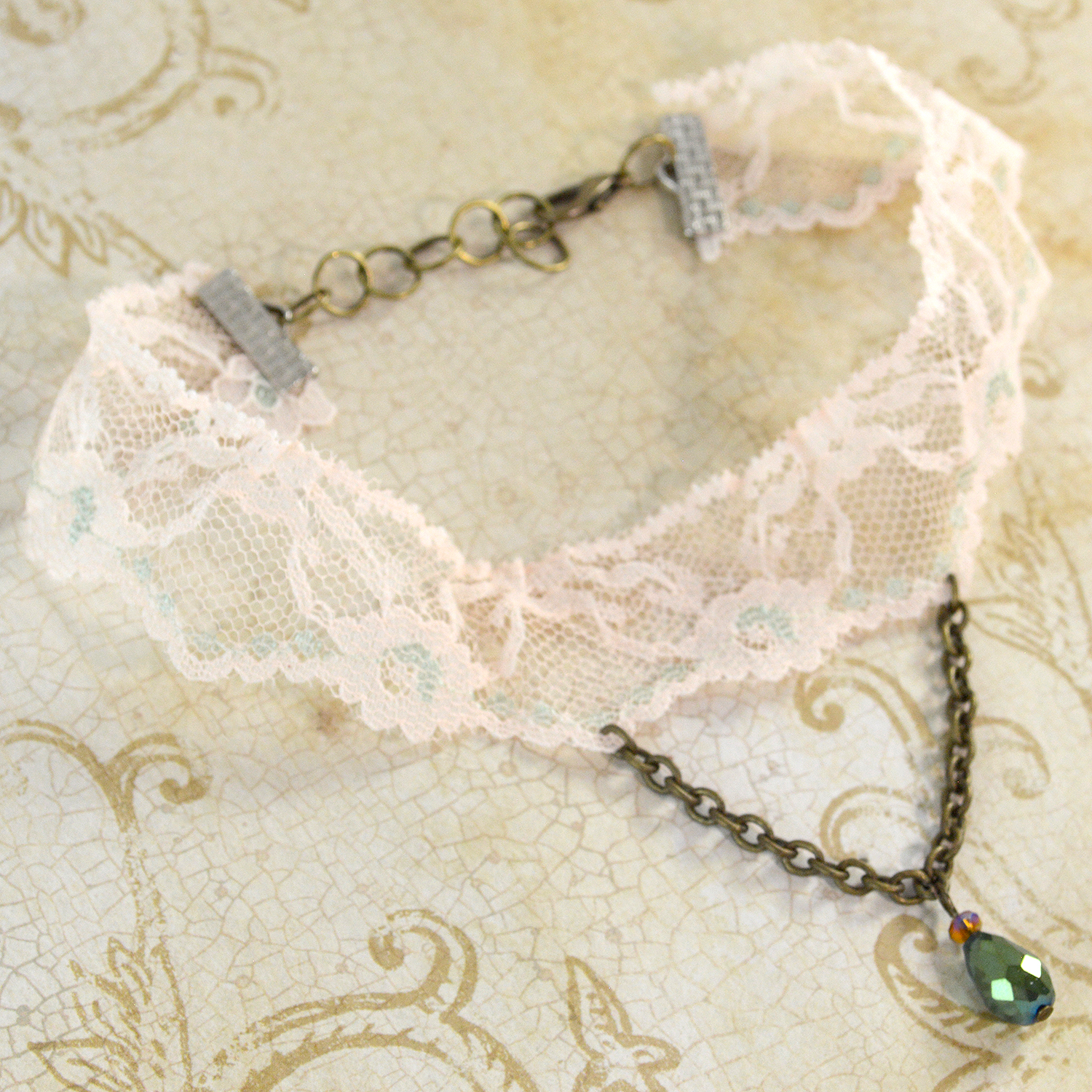Victorian Lace Choker In Cream And Green Twisted Pixies