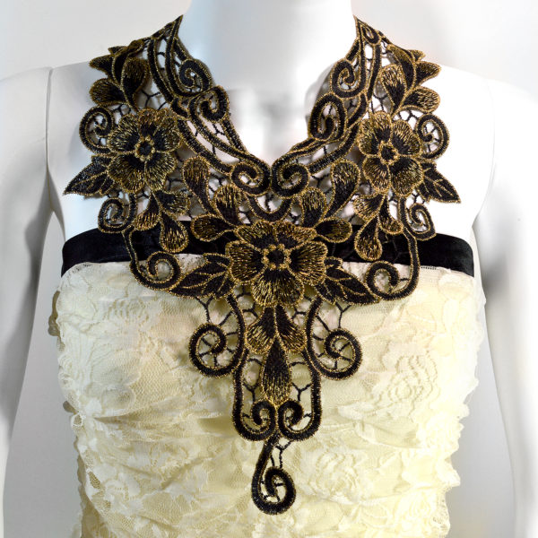 Regal Lace Necklace